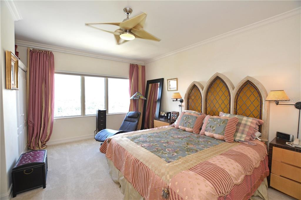Light and bright master bedroom with en-suite bath. - Condo for sale at 1111 Ritz Carlton Dr #1505, Sarasota, FL 34236 - MLS Number is A4188921