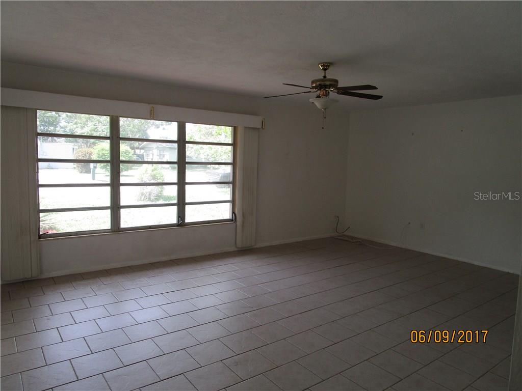 main living area - Single Family Home for sale at 3002 36th Ave W, Bradenton, FL 34205 - MLS Number is A4189280