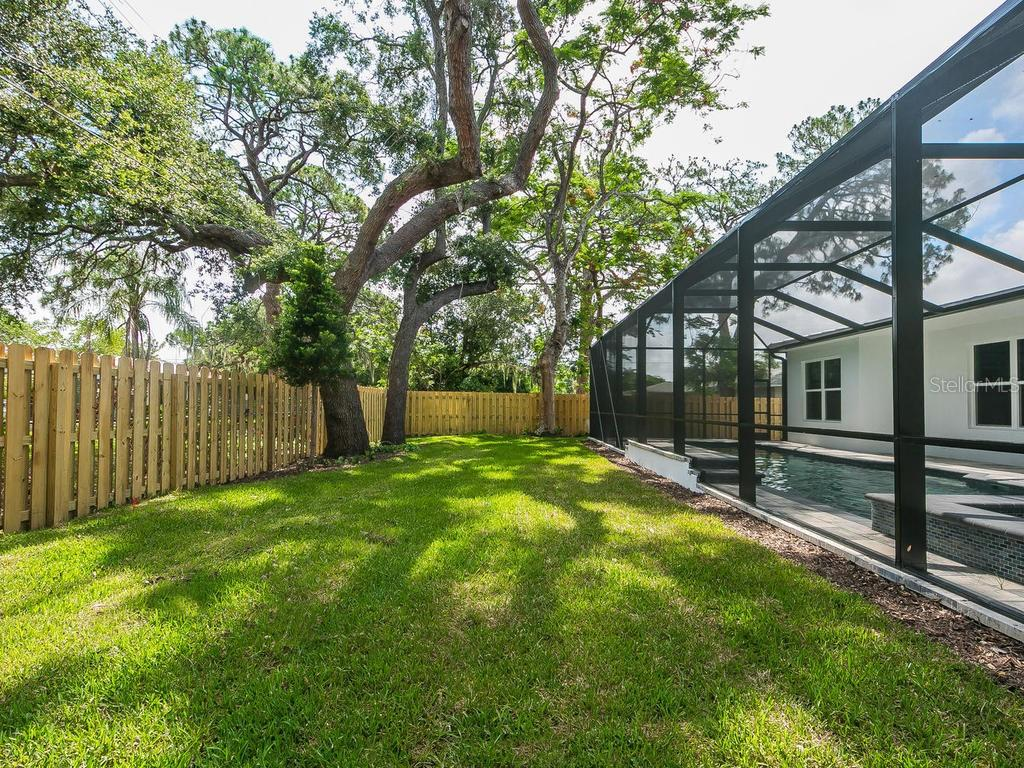 Single Family Home for sale at 1955 Oleander St, Sarasota, FL 34239 - MLS Number is A4191024