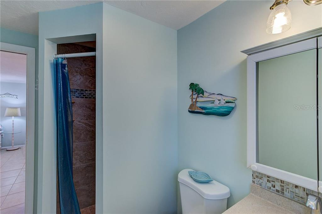Bathroom #B - Duplex/Triplex for sale at 5606 Carissa St #a & B, Holmes Beach, FL 34217 - MLS Number is A4192106