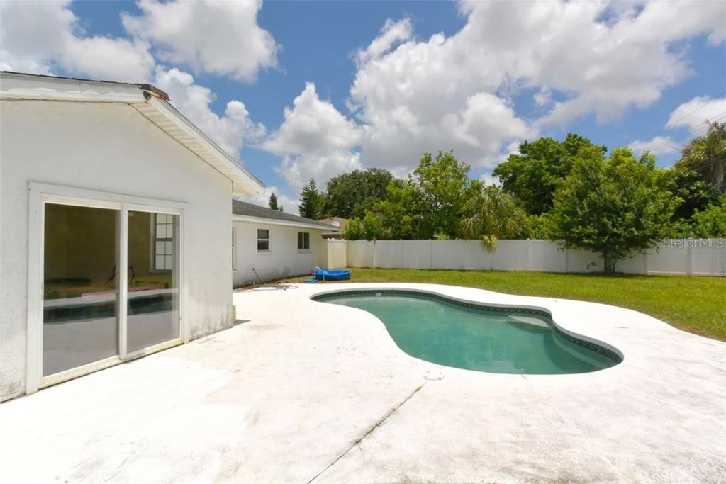 Single Family Home for sale at 5303 14th Avenue Dr W, Bradenton, FL 34209 - MLS Number is A4192678