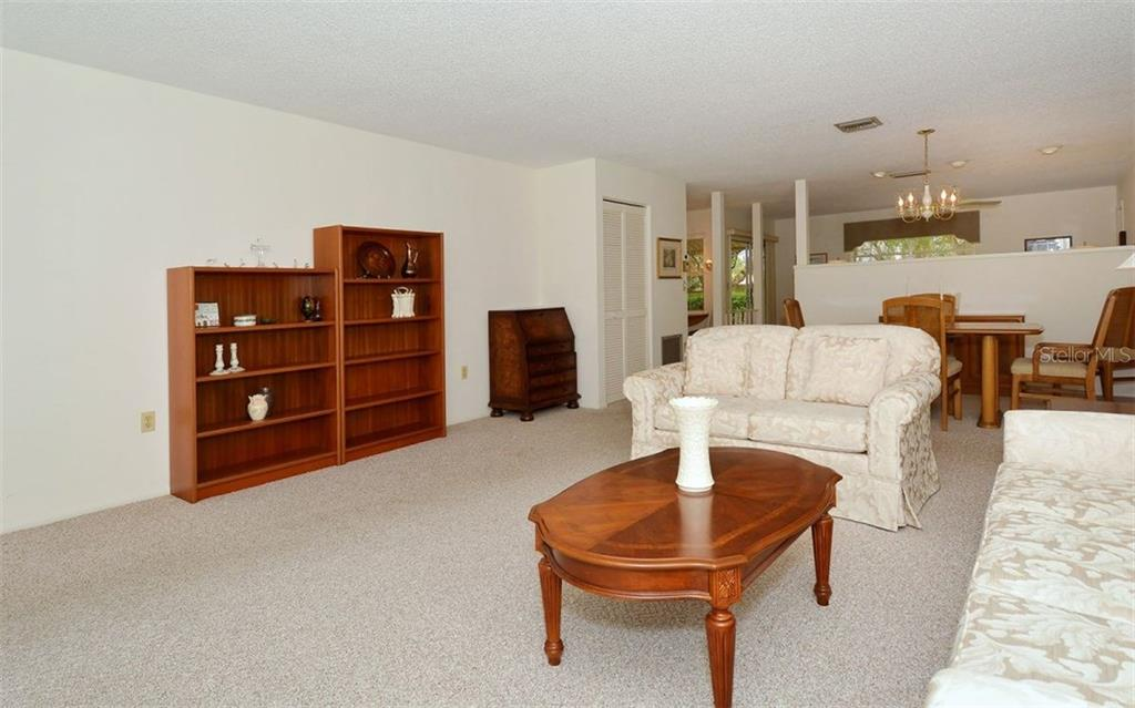 Condo for sale at 4241 Oakhurst Cir E #3031, Sarasota, FL 34233 - MLS Number is A4193368