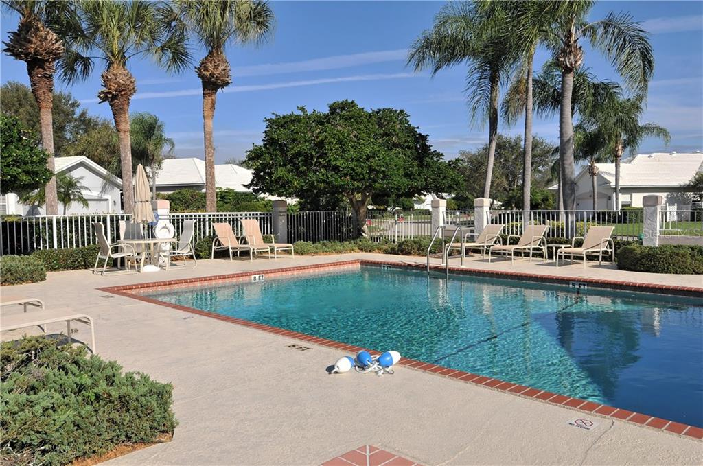 Lynwood Glen - Community Pool - Villa for sale at 604 Crossfield Cir #31, Venice, FL 34293 - MLS Number is A4193953