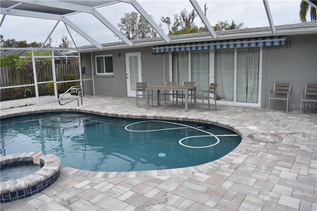 Single Family Home for sale at 1133 Riviera St, Venice, FL 34285 - MLS Number is A4197682