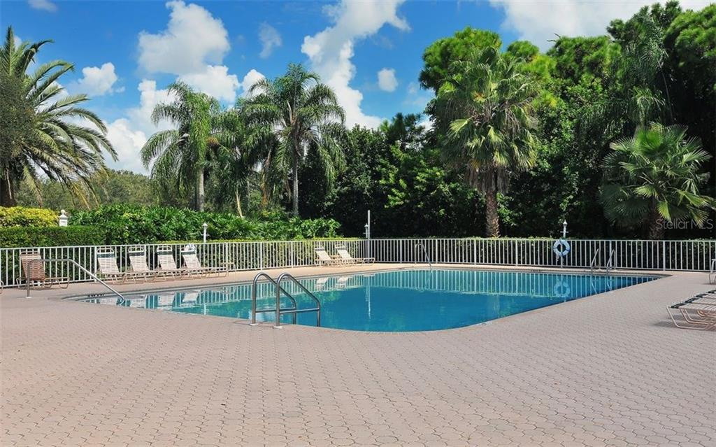 Single Family Home for sale at 9571 Knightsbridge Cir, Sarasota, FL 34238 - MLS Number is A4197972