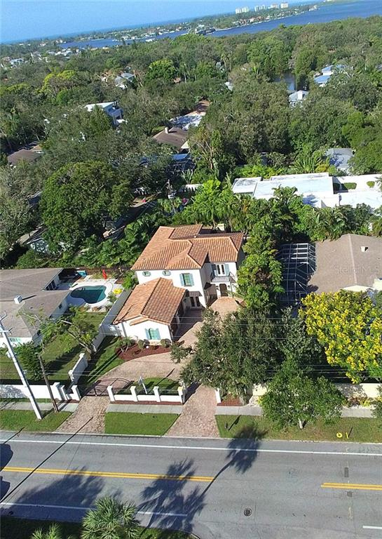 Single Family Home for sale at 3218 S Osprey Ave, Sarasota, FL 34239 - MLS Number is A4198047