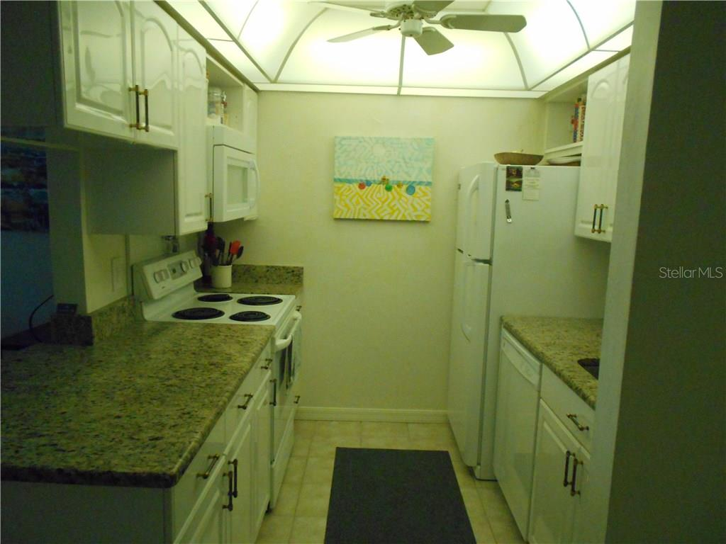 Kitchen - Condo for sale at 5661 Midnight Pass Rd #403, Sarasota, FL 34242 - MLS Number is A4198451