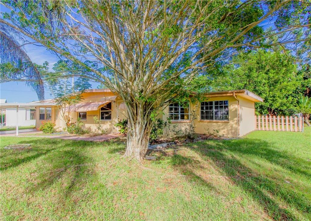 Single Family Home for sale at 4407 57th St W, Bradenton, FL 34210 - MLS Number is A4199749