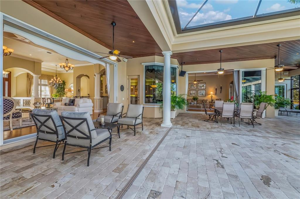 Single Family Home for sale at 7921 Waterton Ln, Lakewood Ranch, FL 34202 - MLS Number is A4204311