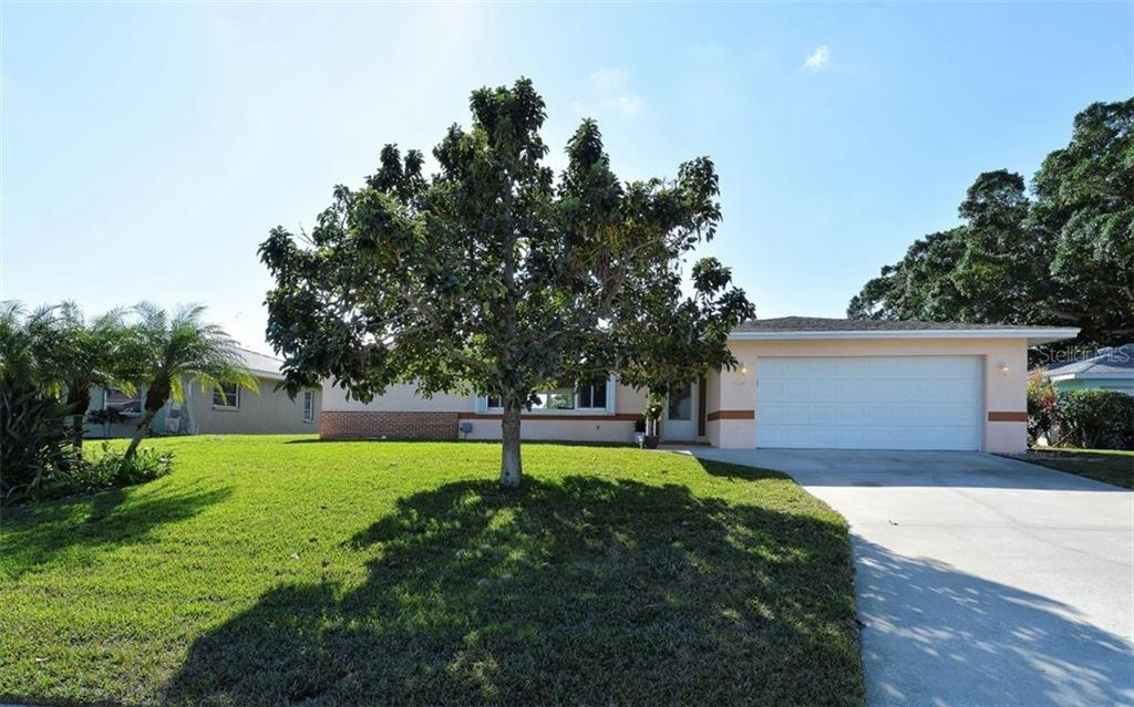 Single Family Home for sale at 1280 Cambridge Dr, Venice, FL 34293 - MLS Number is A4204839
