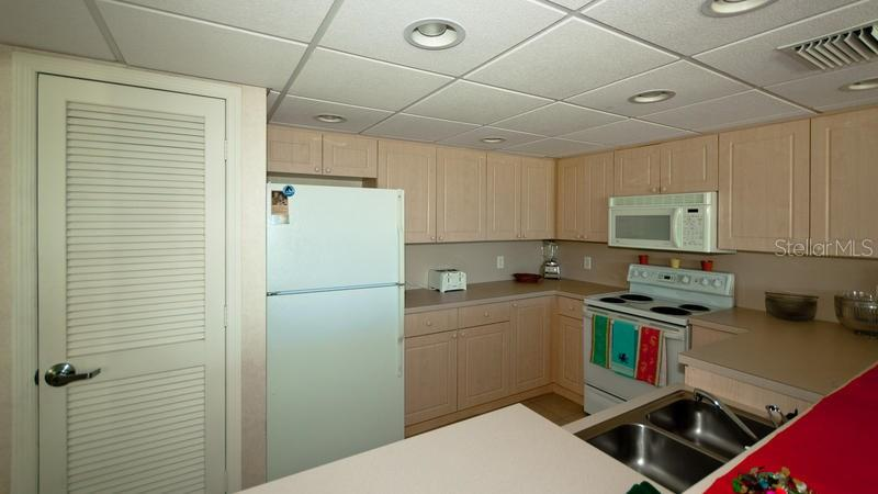 Condo for sale at 3240 Gulf Of Mexico Dr #b604, Longboat Key, FL 34228 - MLS Number is A4205667