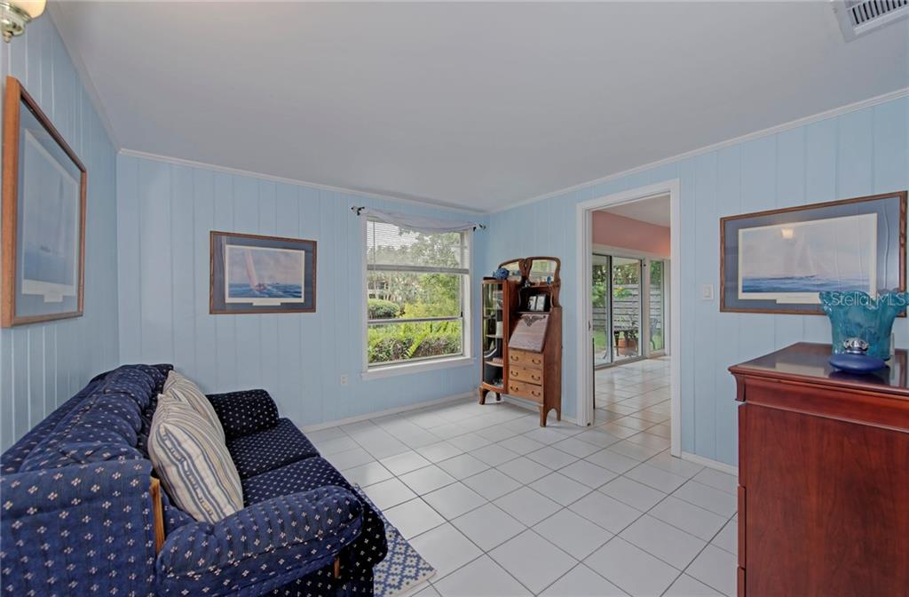 Single Family Home for sale at 184 Sandy Hook Rd, Sarasota, FL 34242 - MLS Number is A4206082