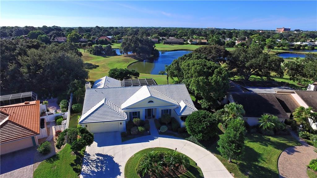 Single Family Home for sale at 3882 Spyglass Hill Rd, Sarasota, FL 34238 - MLS Number is A4206477