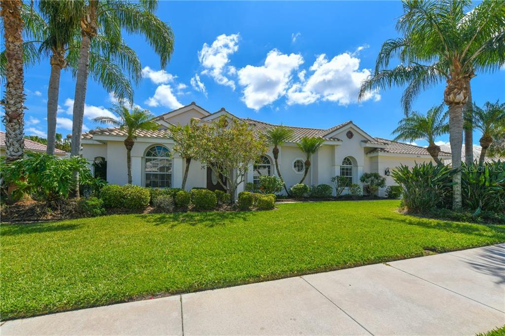 Single Family Home for sale at 8531 Woodbriar Dr, Sarasota, FL 34238 - MLS Number is A4206491
