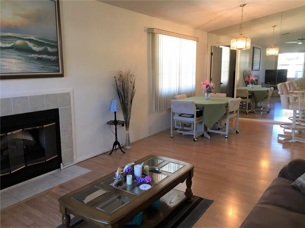 Dining room and Breakfast Bar. - Condo for sale at 3858 59th Ave W #4178, Bradenton, FL 34210 - MLS Number is A4206819