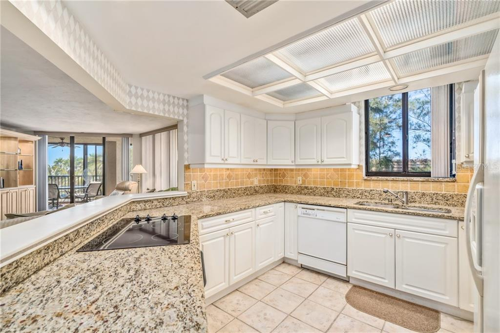 Kitchen - Condo for sale at 5880 Midnight Pass Rd #511, Sarasota, FL 34242 - MLS Number is A4207131