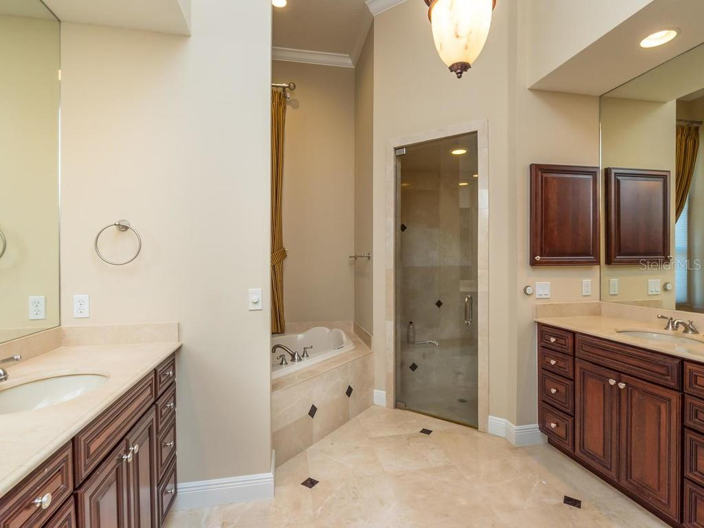 Master Bath - Single Family Home for sale at 7715 Donald Ross Rd W, Sarasota, FL 34240 - MLS Number is A4208499