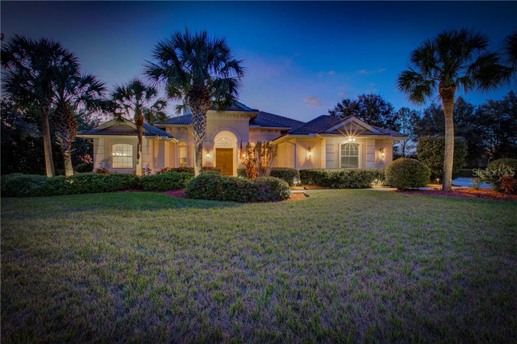 Single Family Home for sale at 8300 Curlew Ct, Bradenton, FL 34202 - MLS Number is A4209228