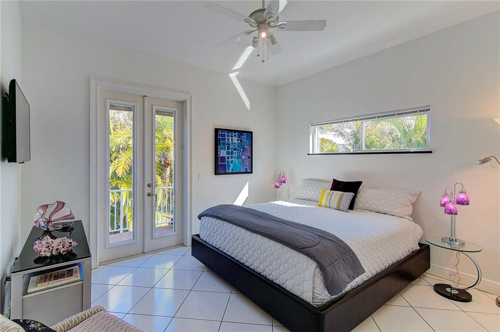 2nd Master Bedroom - Single Family Home for sale at 104 43rd St, Holmes Beach, FL 34217 - MLS Number is A4209338