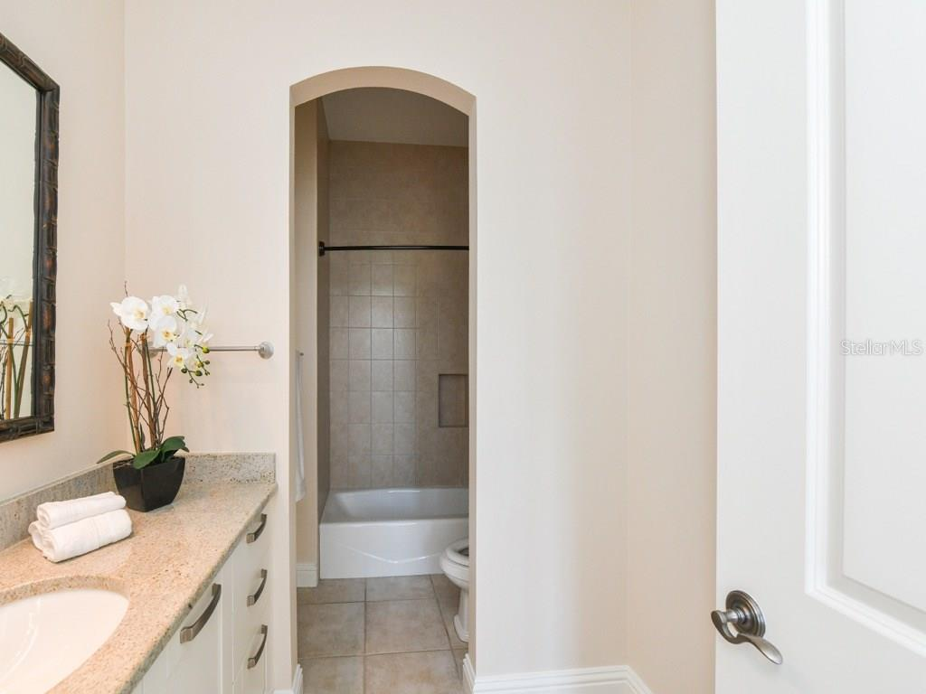 3rd en-suite bedroom. - Condo for sale at 888 S Orange Ave #ph-C, Sarasota, FL 34236 - MLS Number is A4209372