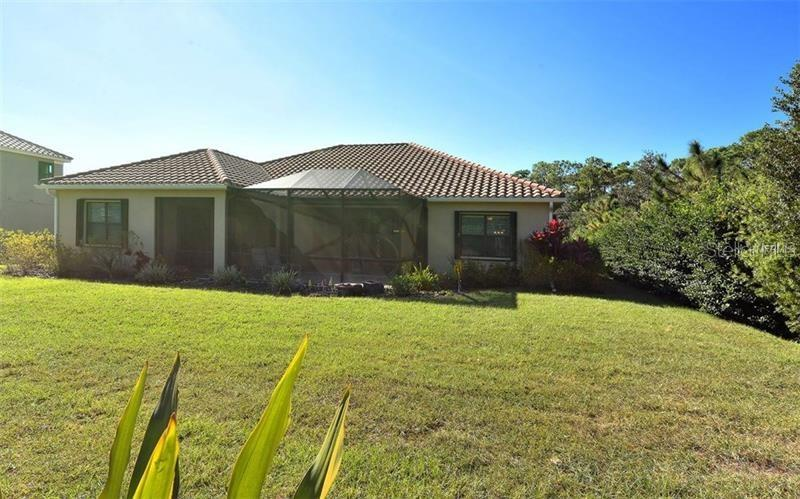 Single Family Home for sale at 8200 Larkspur Cir, Sarasota, FL 34241 - MLS Number is A4210402