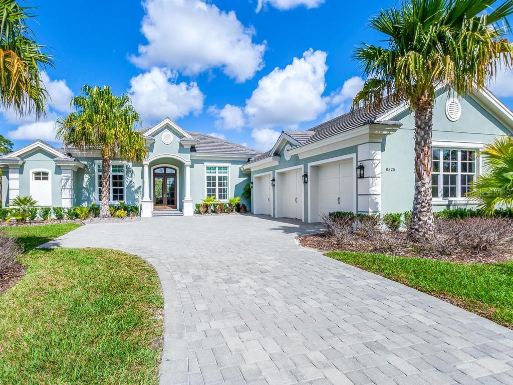 Single Family Home for sale at 8325 Lindrick Ln, Lakewood Ranch, FL 34202 - MLS Number is A4210451