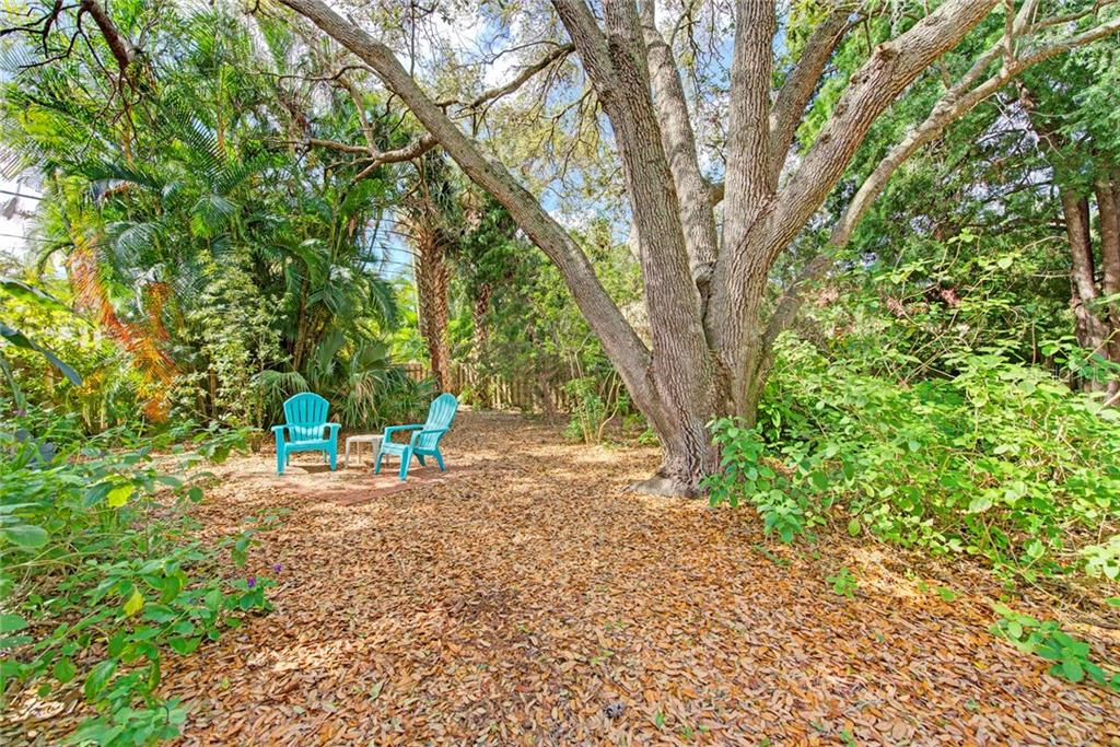Oversized yard - Single Family Home for sale at 1874 Wisteria St, Sarasota, FL 34239 - MLS Number is A4211659