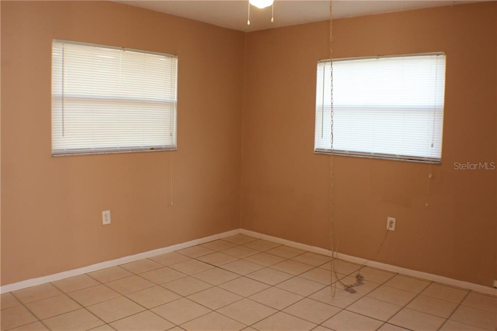 Duplex/Triplex for sale at 4416 101st St W #a&b, Bradenton, FL 34210 - MLS Number is A4212221