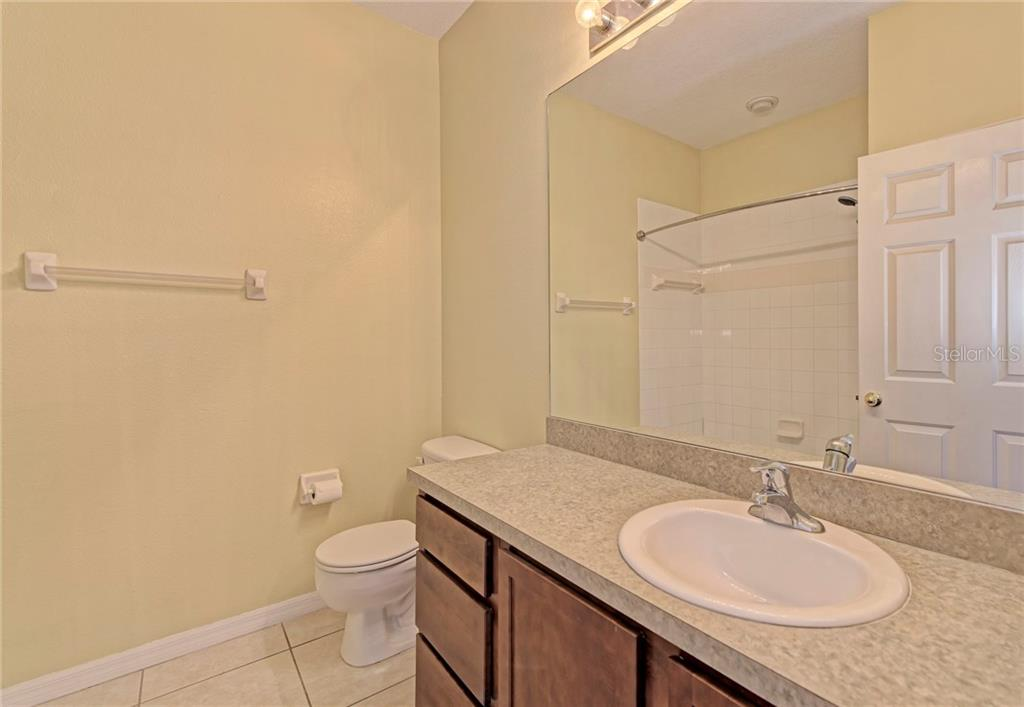 Guest bathroom - Condo for sale at 5360 Mang Pl #1405, Sarasota, FL 34238 - MLS Number is A4212314
