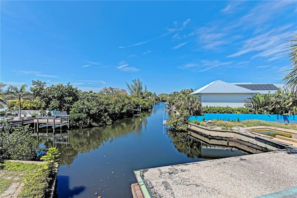 Single Family Home for sale at 050 North Shore Dr, Anna Maria, FL 34216 - MLS Number is A4212412