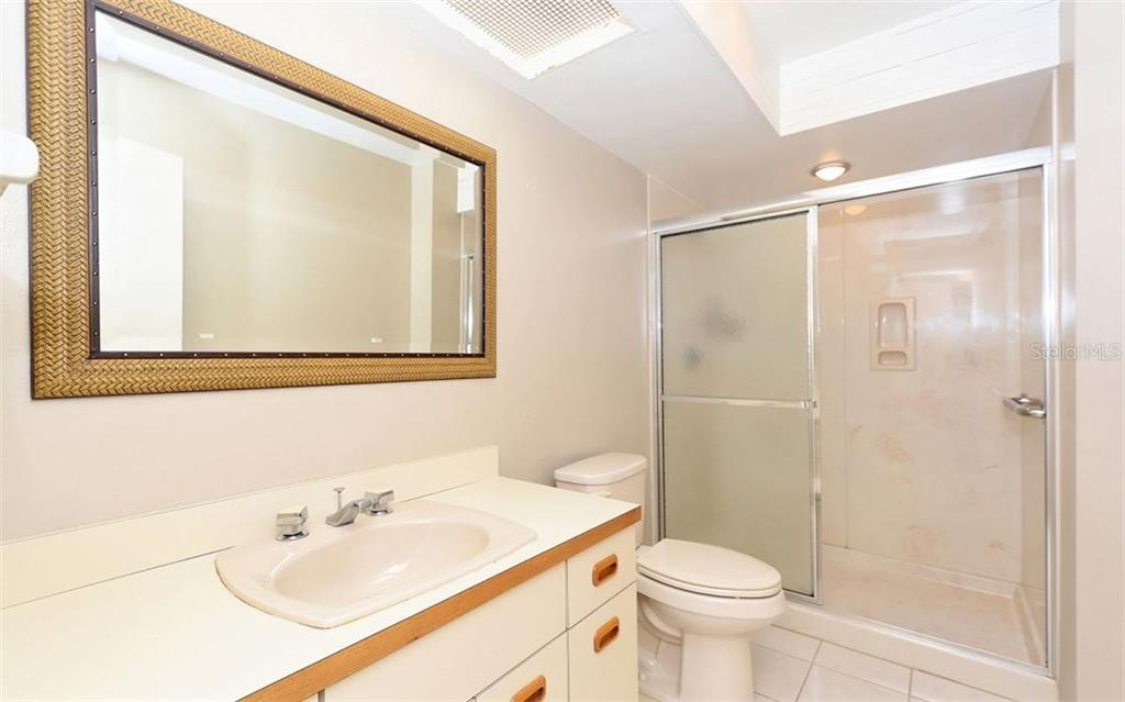 Master Bathroom - Condo for sale at 3440 Gulf Of Mexico Dr #8, Longboat Key, FL 34228 - MLS Number is A4214047