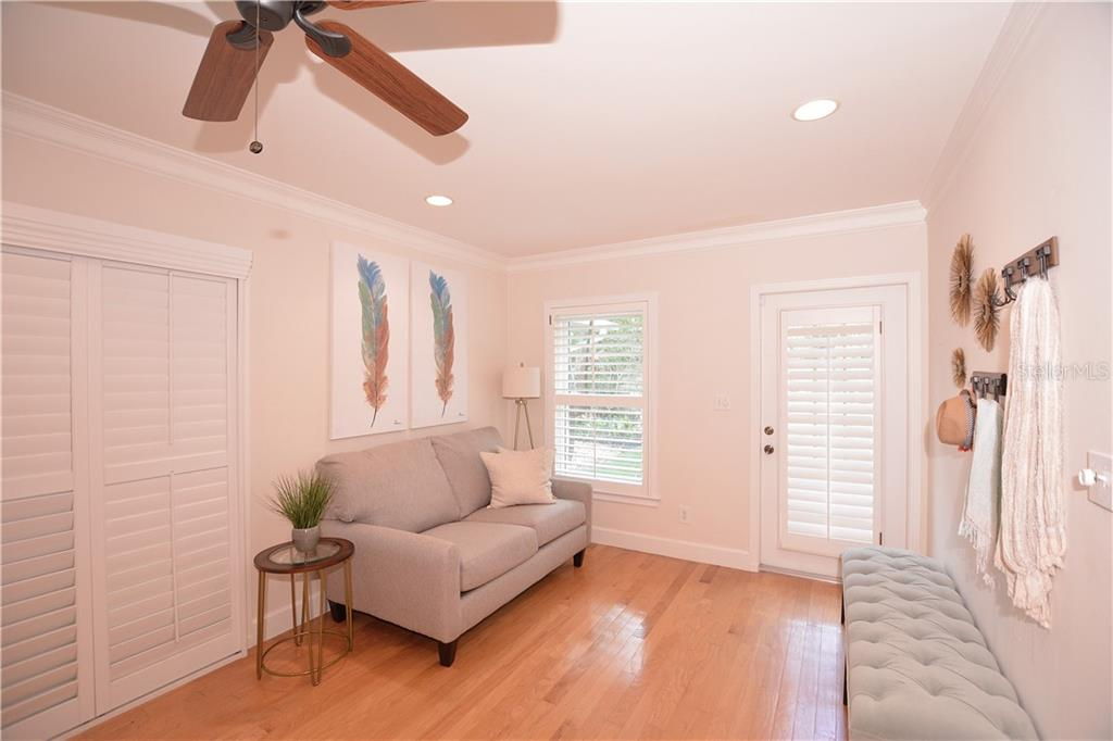 Nearby bonus area is perfect for reading space, designated art area or kid's playroom. - Single Family Home for sale at 1670 Bay View Dr, Sarasota, FL 34239 - MLS Number is A4400079