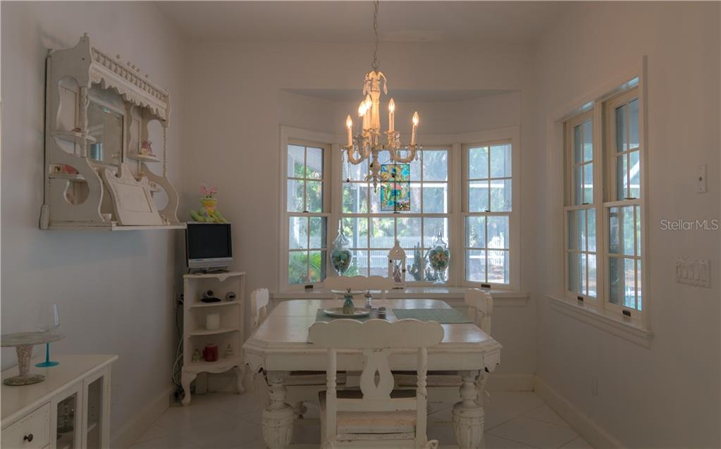 Single Family Home for sale at 2810 Sarasota Golf Club Blvd, Sarasota, FL 34240 - MLS Number is A4400082