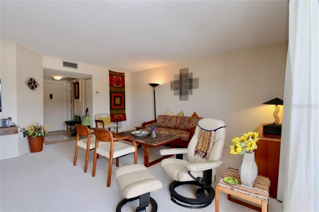 Condo for sale at 800 Benjamin Franklin Dr #403, Sarasota, FL 34236 - MLS Number is A4400237