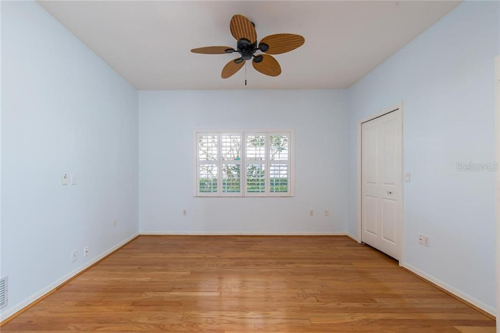 Bedroom 3 - Single Family Home for sale at 4305 Highland Oaks Cir, Sarasota, FL 34235 - MLS Number is A4400579