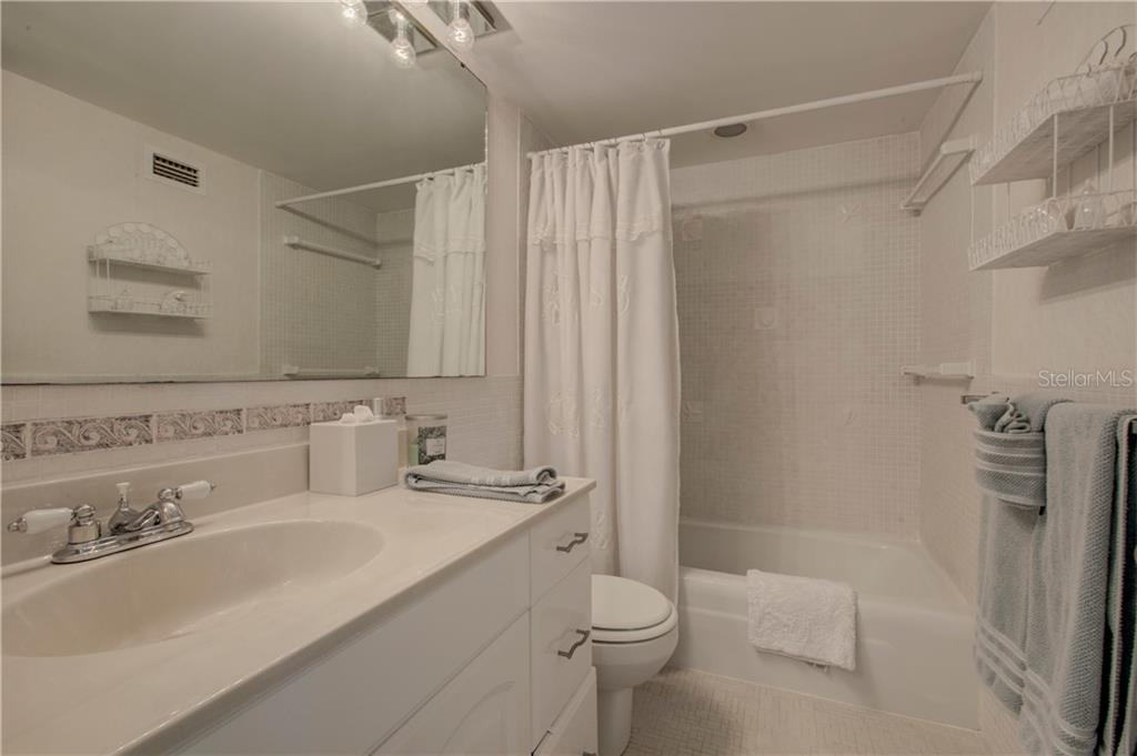 2nd bathroom - Condo for sale at 1900 Benjamin Franklin Dr #401b, Sarasota, FL 34236 - MLS Number is A4400820