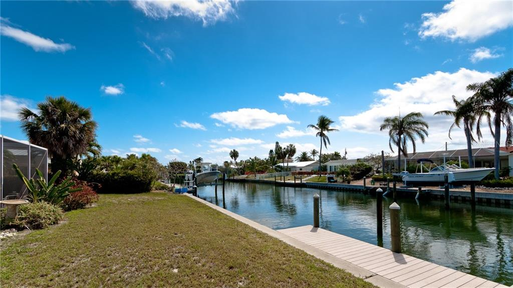 Single Family Home for sale at 519 69th St, Holmes Beach, FL 34217 - MLS Number is A4402029