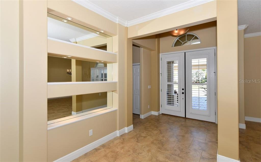 Elegant Dining Area - Single Family Home for sale at 533 Mast Dr, Bradenton, FL 34208 - MLS Number is A4402963