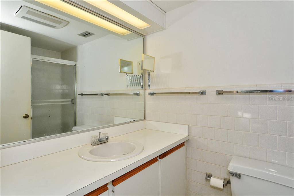 Master Bathroom - Condo for sale at 500 S Washington Dr #3b, Sarasota, FL 34236 - MLS Number is A4403390