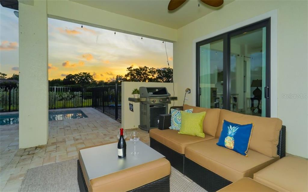 Single Family Home for sale at 5325 Ashton Oaks Ct, Sarasota, FL 34233 - MLS Number is A4406642