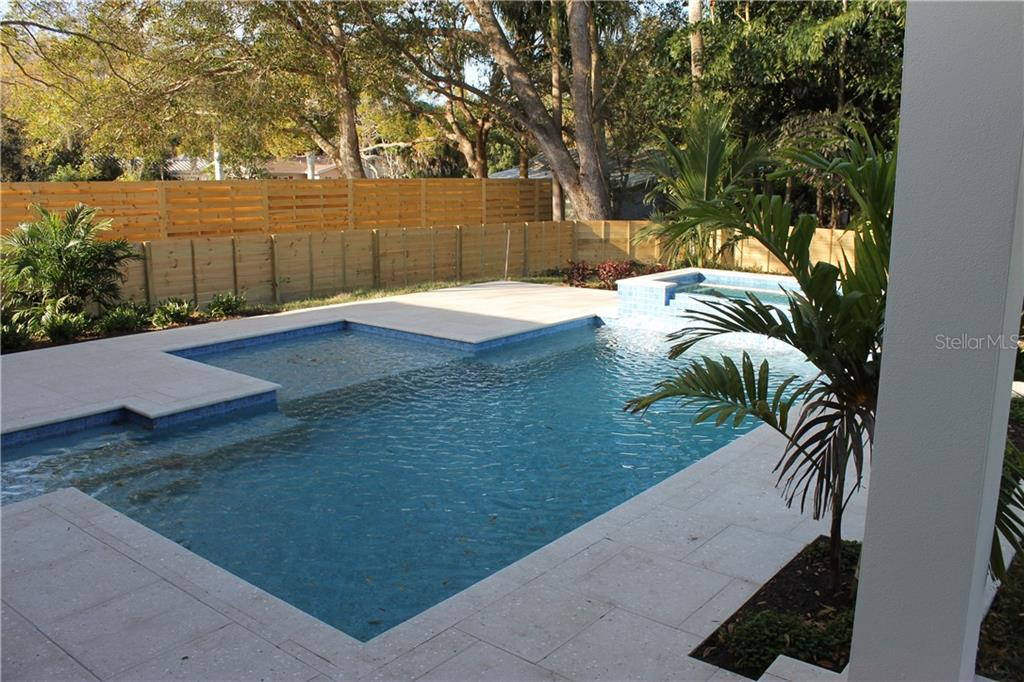 Single Family Home for sale at 4010 Camino Real, Sarasota, FL 34231 - MLS Number is A4406968