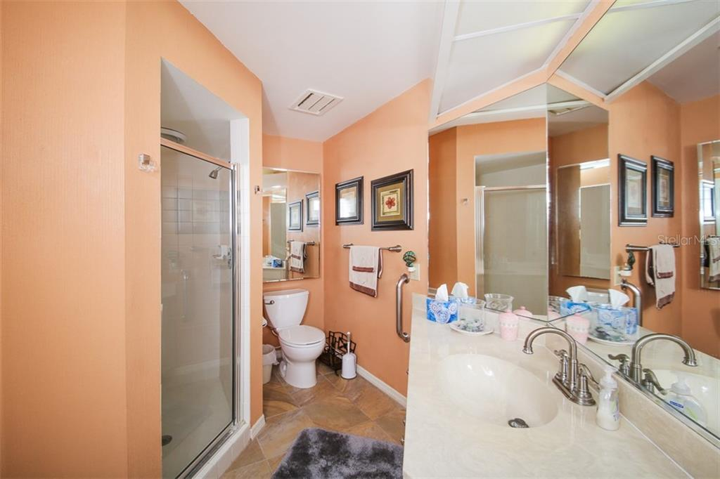 Second Bathroom - Villa for sale at 4472 Calle Serena, Sarasota, FL 34238 - MLS Number is A4407721