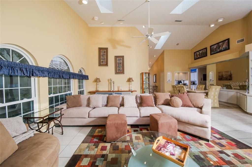 Spacious Open Floor Plan - Villa for sale at 4472 Calle Serena, Sarasota, FL 34238 - MLS Number is A4407721