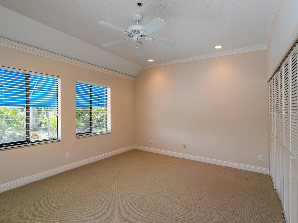 Master bedroom - Condo for sale at 1912 Harbourside Dr #604, Longboat Key, FL 34228 - MLS Number is A4407777