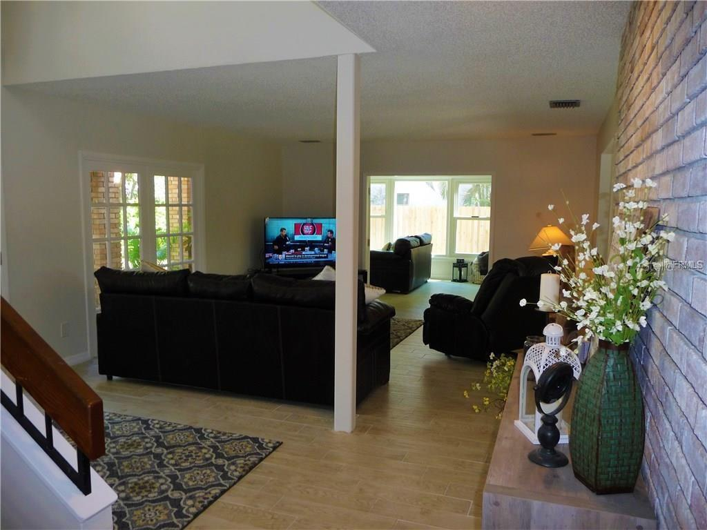 Single Family Home for sale at 5340 Dominica Cir, Sarasota, FL 34233 - MLS Number is A4408153