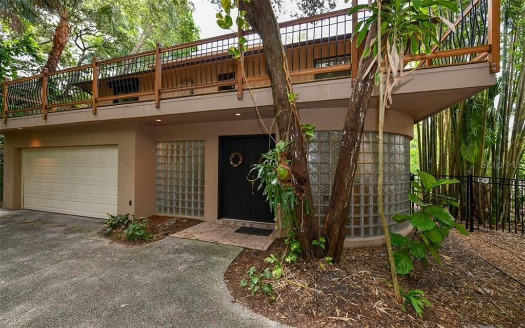 2 Car Garage and Entry - Single Family Home for sale at 1238 Sea Plume Way, Sarasota, FL 34242 - MLS Number is A4408272