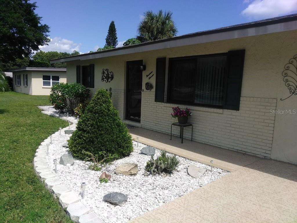Single Family Home for sale at 1911 29th St W, Bradenton, FL 34205 - MLS Number is A4409585