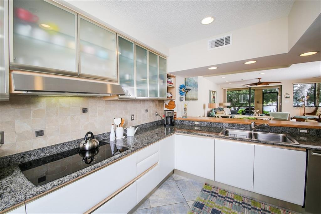 Kitchen - Condo for sale at 1910 Harbourside Dr #503, Longboat Key, FL 34228 - MLS Number is A4409634