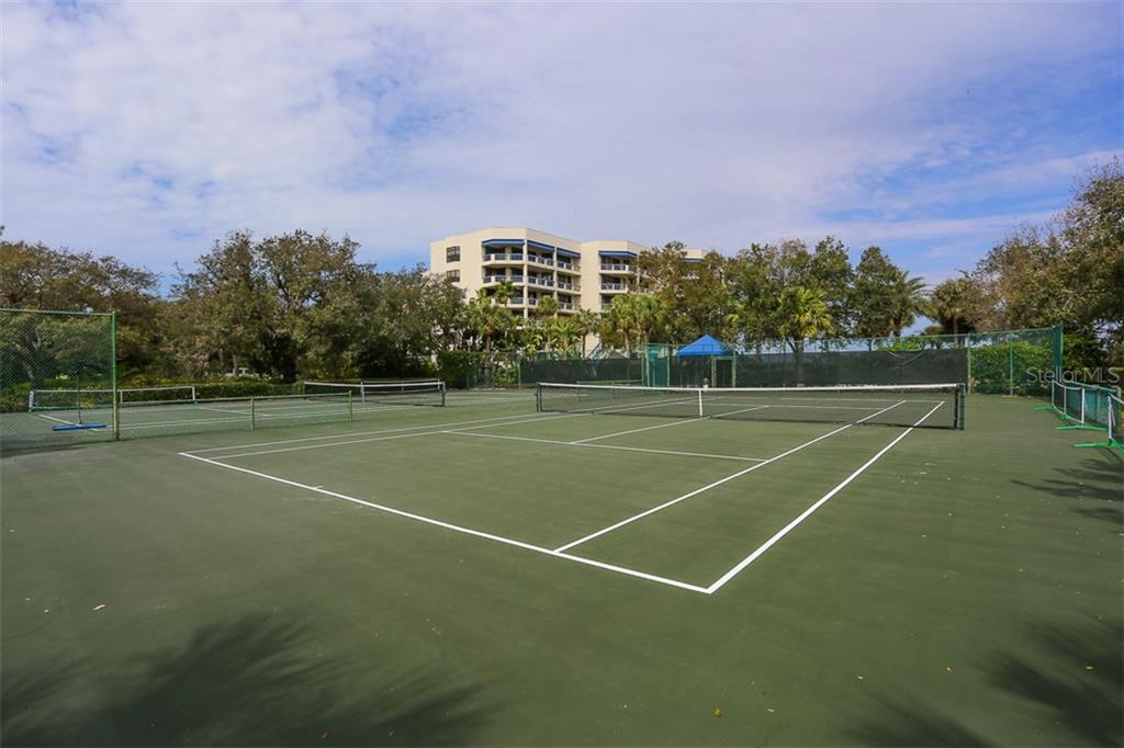 Tennis/Pickleball Courts - Condo for sale at 1910 Harbourside Dr #503, Longboat Key, FL 34228 - MLS Number is A4409634