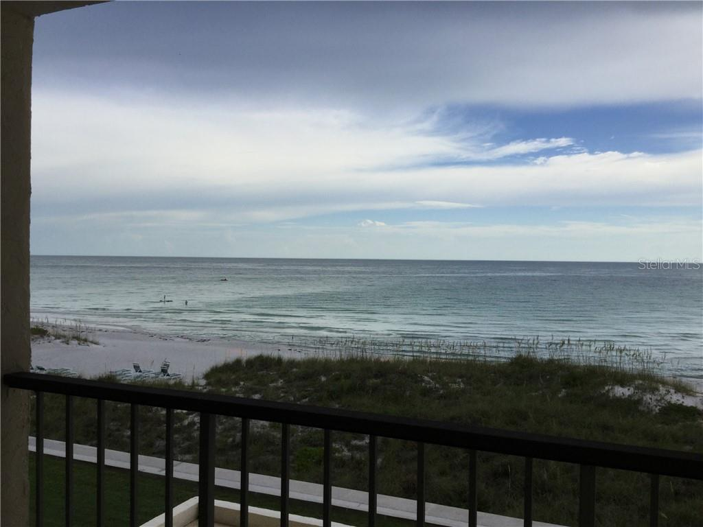 Condo for sale at 4401 Gulf Of Mexico Dr #303, Longboat Key, FL 34228 - MLS Number is A4409677